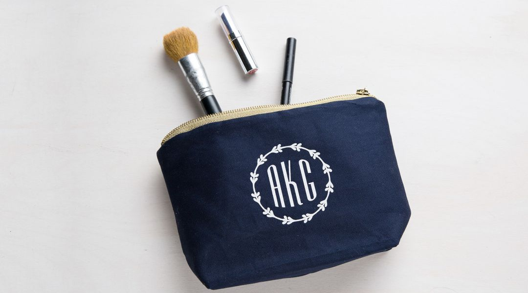 Cricut Crafts: Easy Monogrammed Cosmetic Bag