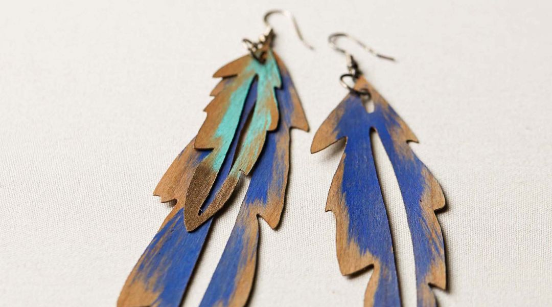 Cricut Crafts: Make Wood Veneer Feather Earrings