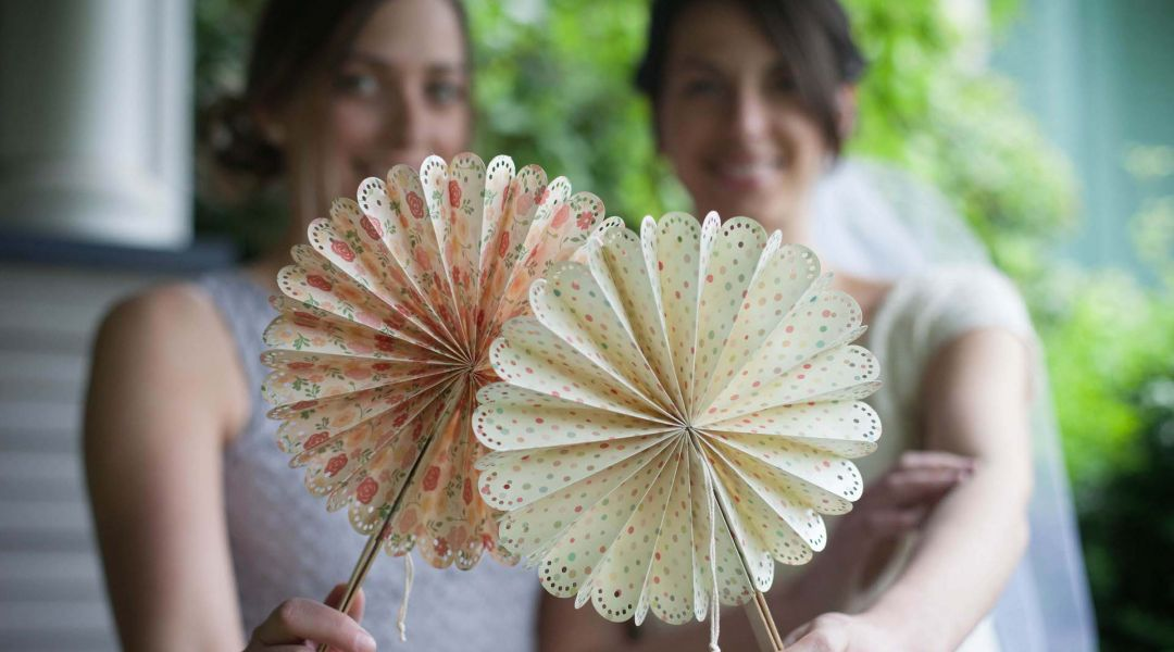Paper Wedding Crafts: DIY Fans