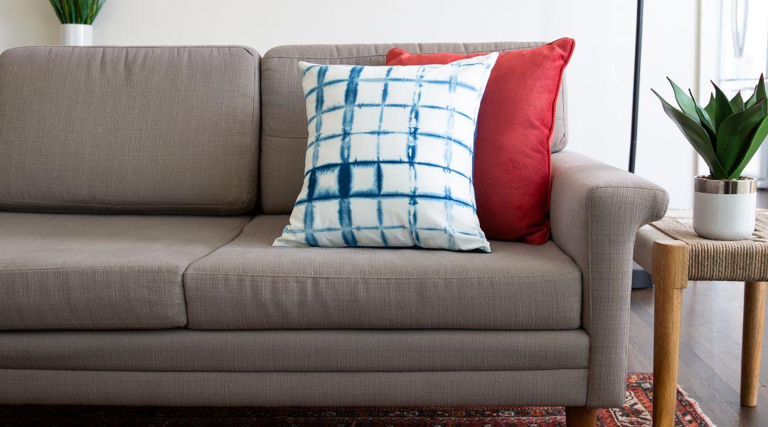 Easy Indigo Dyeing: Make Indigo Dyed Pillows