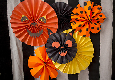 Courtney Cerruti teaches six different Halloween craft projects that are great for an adult Halloween party, to paper decorations and Halloween kids' party. This will give you great ideas for a DIY Halloween costume or Halloween party decoration.
