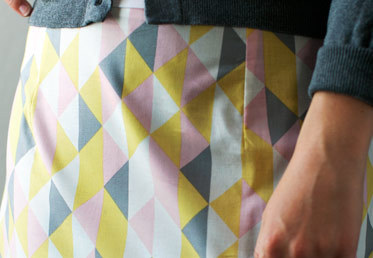 In this class, Cal Patch covers darts, invisible zippers, French seams and bias tape facings. She uses the pattern from her Patternmaking Simplified class, but the sewing techniques she covers can be applied to a wide range of skirt patterns.