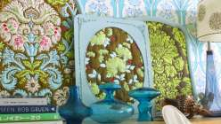 Amy Butler teaches you how prints work well for this project and how to emphasize different elements and motifs in your fabric through your design decisions and how to refinish vintage frames.