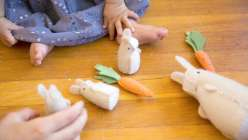 Kata Golda teaches her hand-stitching to make a this bunny in this Easter crafts for kids project. These dolls are a great Eater Decoration project, with tips to work the stitches successfully.