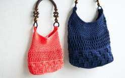 Edie Eckman teaches you to make this summer bag using crochet stitch patterns to form a textural sampler. Choose a summer color or a nautical neutral, this is a diy bag project to make an everyday tote.