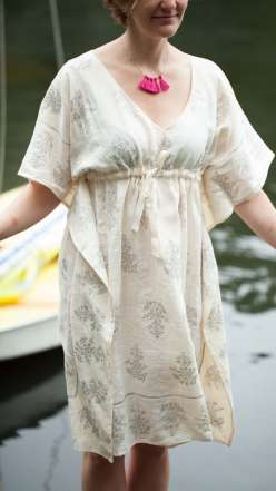 Liesl Gibson shows you how to sew this linen caftan as a diy top, a tunic or dress. She teaches you how to use interfacing on the neck facing, and hand printing the caftan for a totally customizable, elegant garment.